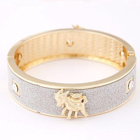 Bracelet en métal animal exagéré en gros yiwu NHSC207132's discount tags