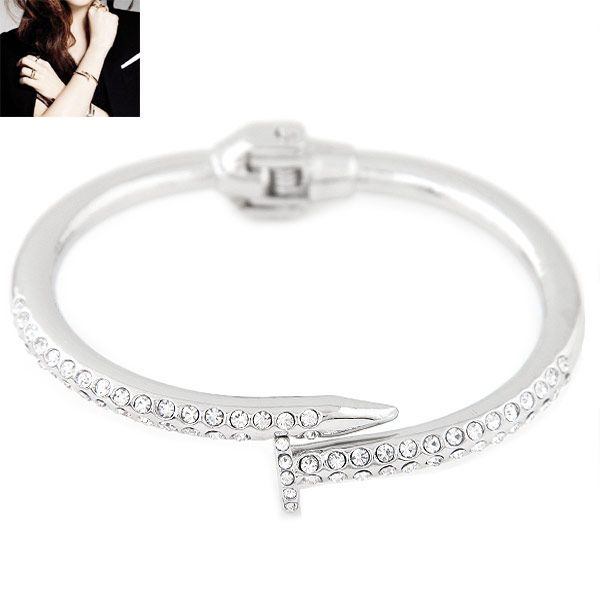 Fashion metal trend diamond nail bracelet yiwu wholesale NHSC207130