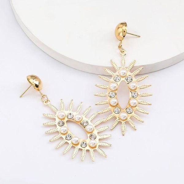 Aretes de diamantes acrílicos geométricos de aleación radial pendientes femeninos al por mayor NHJE206544