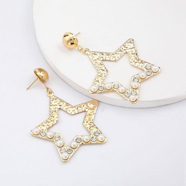 Nuevos pendientes de diamantes y perlas acrílicos de aleación de pentagrama exagerados para mujeres NHJE206550