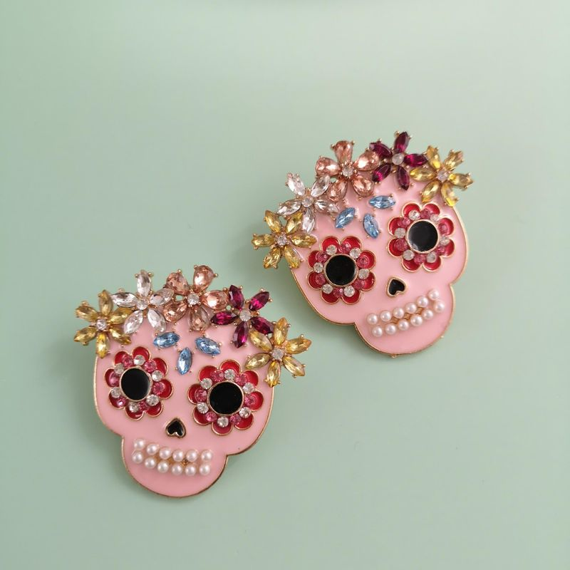 New Fashion Ghost Head Pink Earrings Color Diamond Diamond Skull Ear Studs for Women Wholesale NHJJ210486