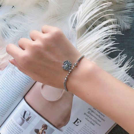 Imitation Thai silver round brand chrysanthemum bracelet retro distressed small chrysanthemum bracelet yiwu nihaojewelry wholesale NHSC210813's discount tags