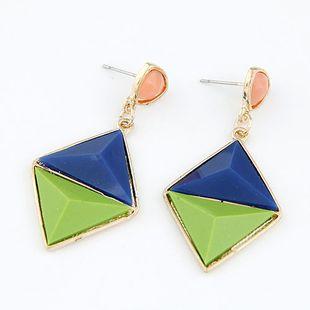 Nueva moda metal salvaje geométrica en forma de diamante pendientes exagerados yiwu nihaojewelry al por mayor NHSC211305's discount tags