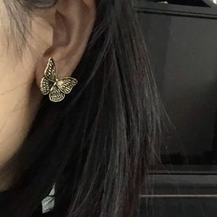 New fashion bronze retro design sense flower butterfly dark earrings wholesale NHNT210970's discount tags