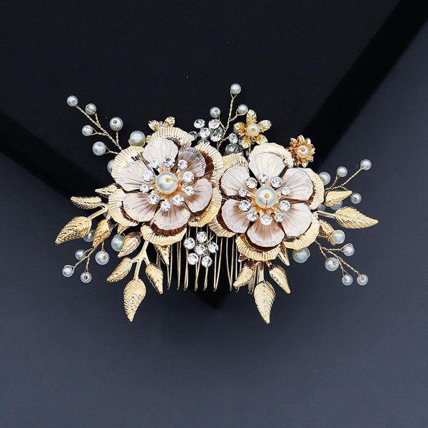 Handmade jewelry golden flowers retro hair comb elegant bridal comb comb wholesale NHHS211426
