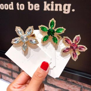 New fashion metal zircon flower hairpin retro color five petal flower hairpin wholesale NHNA212594's discount tags