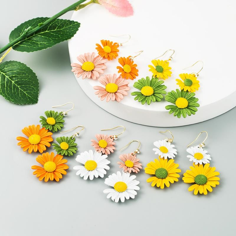 Korean new fashion simple small daisy earrings contrast color alloy flower earrings NHLN212670