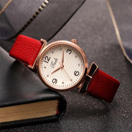 Nuevas damas Fresh Rhinestone con incrustaciones de escala Reloj de mujer Cinturón de moda Reloj de cuarzo al por mayor NHHK207066's discount tags