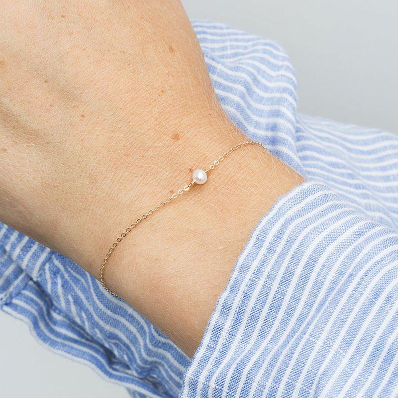 New stainless steel bracelet wholesale yiwu nihaojewelry fashion pearl bracelet simple jewelry Valentine39s Day gift NHJJ213313