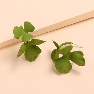 Nuevos pendientes de flores de moda pendientes simples de pintura en aerosol al por mayor nihaojewelry NHKQ213355's discount tags