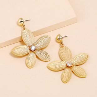 Fashion metal petal earrings simple micro inlaid flower earrings nihaojewelry wholesale NHKQ213356's discount tags