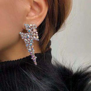 Nueva moda exagerada súper flash de aleación de diamantes de imitación diamantes geométricos pendientes largos nihaojewelry al por mayor NHLN213421's discount tags