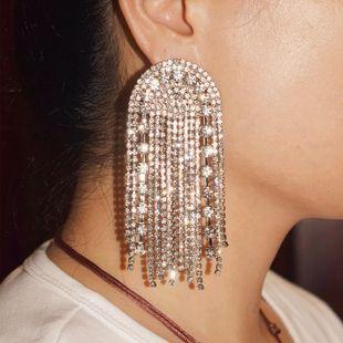 Cadena de garra de aleación de moda con pendientes largos de borla de diamantes de imitación nihaojewelry al por mayor NHLN213429's discount tags