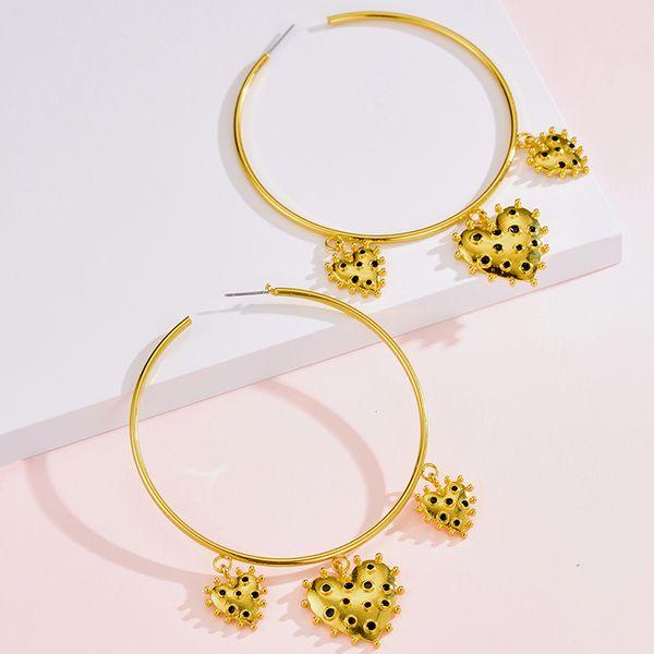 Nuevos pendientes de amor chapados en oro forman grandes pendientes de aro al por mayor Yiwu NHOT207343
