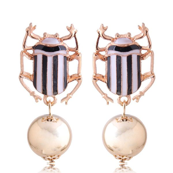 New fashion metal wild dripping oil hit color beetle exaggerated earrings wholesale Yiwu NHSC208044