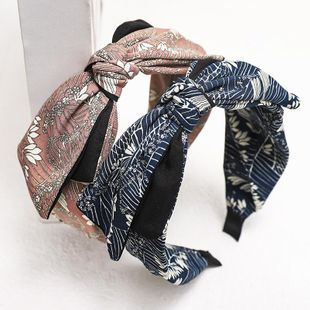 New Fashion Retro Embroidery Printed Hairband Wide-Band Kink Cheap Headband Wholesale NHDM207744's discount tags