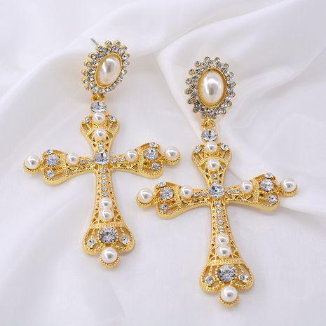 Nouveau coréen baroque longue croix boucles d'oreilles rose cristal gland palais rétro vent froid boucles d'oreilles nihaojewelry gros NHNT215369's discount tags