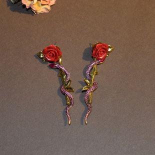 Moda nueva rosa roja serpiente pendientes largos pendientes femeninos retro nihaojewelry al por mayor NHNT215372's discount tags