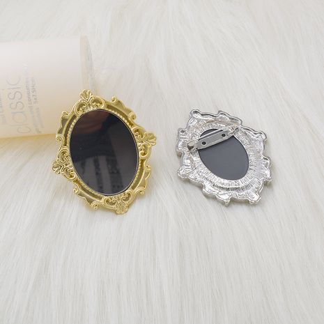 simple broche sauvage rétro photo cadre Baroque bijou cadre photo miroir broche nihaojewelry gros NHNT215375's discount tags