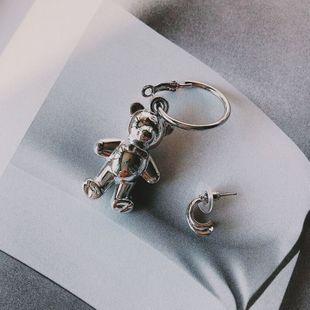 Nueva Corea lindo oso pendientes pendientes asimétricos de moda pendientes nihaojewelry al por mayor NHNT215347's discount tags