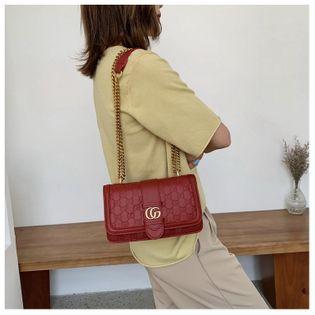 bolso retro de las mujeres nihaojewelry venta al por mayor de verano nuevo bolso de las mujeres bolso de mensajero en relieve de moda bolso pequeño cuadrado NHGA215726