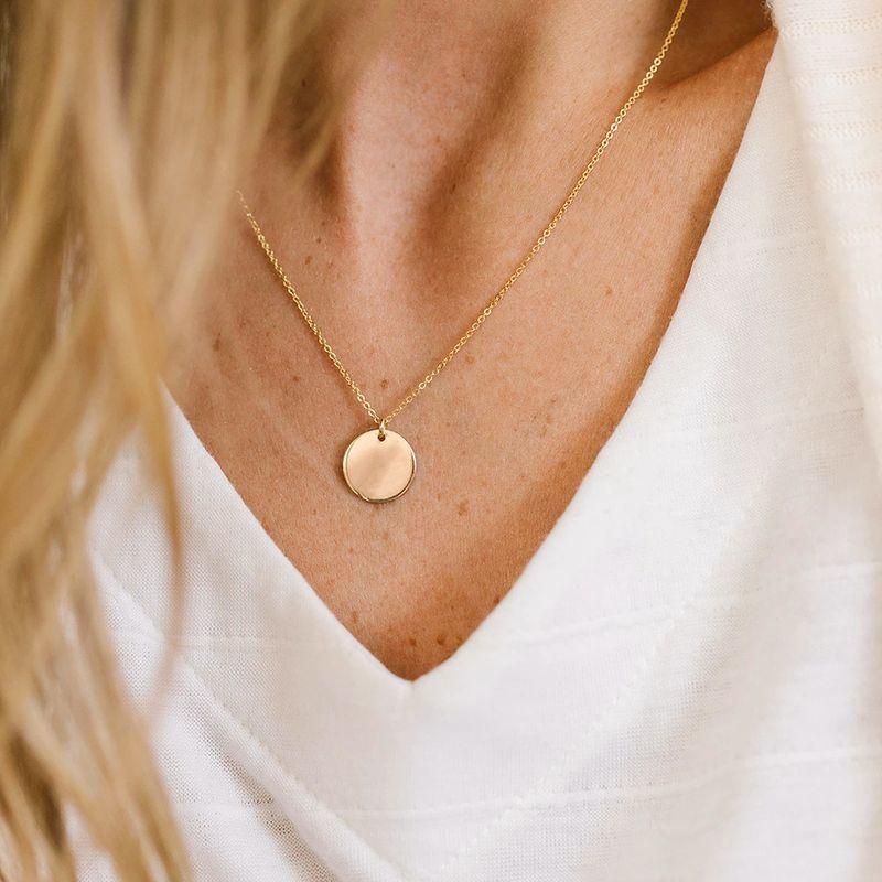 fashion womens necklace chain temperament clavicle chain creative retro simple round pendant necklace NHPJ216020