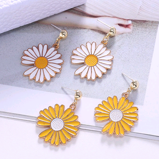 Korean fashion sweet and simple chrysanthemum personality earrings NHSC216996's discount tags