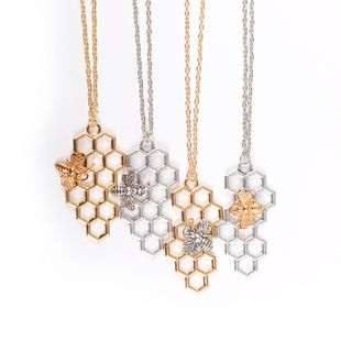 necklace fashion simple honeycomb honeycomb pendant small bee insect necklace ladies clavicle chain wholesale NHMO217605's discount tags