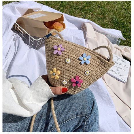 tissé petit sac d'été nouveau sac de femmes mode coréenne le sac de messager d'épaule petit sac de seau de paille fraîche en gros nihaojewelry NHGA217997's discount tags