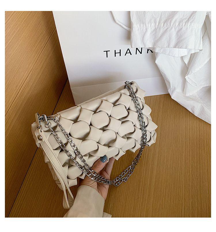 Senior sense small bag female  new wave wild texture shoulder bag woven chain crossbody bag wholesale NHTC218807