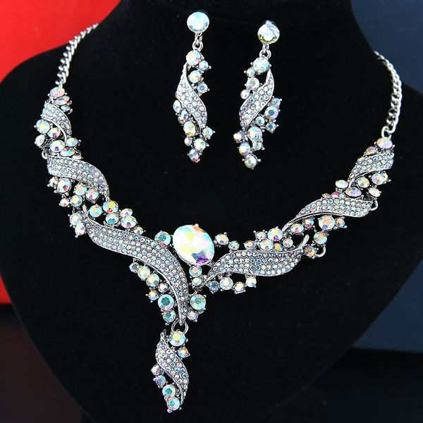 fashion metal bright luxury and simple bridal accessories temperament exaggerated bridal necklace earrings set wholesale nihaojewelry NHSC219218