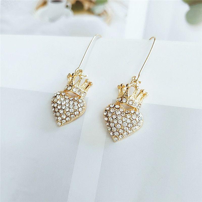 Korean fashion new alloy diamond earrings supply retro love earrings personalized jewelry wholesale nihaojewelry  NHVA218962