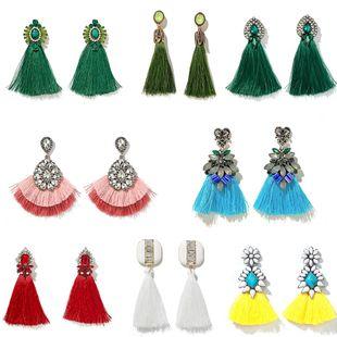Moda salvaje elegante señoras pendientes largos borla pendientes vacaciones estilo barroco moda retro pendientes al por mayor nihaojewelry NHGY219074's discount tags