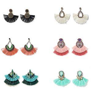 Nuevos pendientes coloridos gemas de diamantes de imitación pendientes bohemios salvajes en forma de abanico pendientes al por mayor nihaojewelry NHGY219076's discount tags