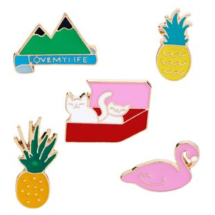 Hot Korean personality brooch cute red box cat pineapple flamingo mountain brooch female accessories wholesale nihaojewelry NHMO219240's discount tags
