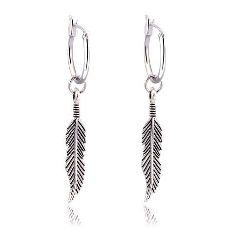 Rétro bohème longue plume pendentif boucles d'oreilles ancienne feuille d'argent cercle boucles d'oreilles en gros nihaojewelry NHGJ219374's discount tags