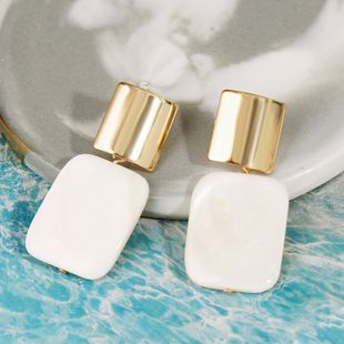 Bohemian Korean square natural shell earrings trend geometric alloy earrings wholesale nihaojewelry NHLA219511's discount tags
