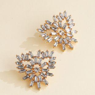 personalidad de la moda pendientes de metal exagerados pendientes geométricos simples en forma de corazón al por mayor nihaojewelry NHJJ220047's discount tags