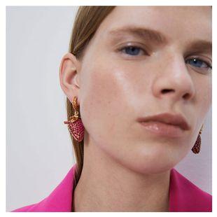 new simple strawberry earrings retro alloy diamond fruit earrings wholesale nihaojewelry NHCT220064's discount tags