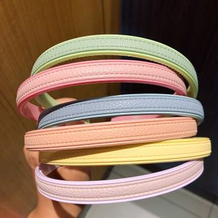 Elegant ladies leather wide-brimmed headband sweet temperament pressure hairpin resin toothed simple headband Korean hair accessories wholesale nihaojewelry NHNA220329's discount tags