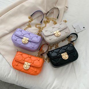 Verano nueva moda coreana moda occidental bordado rómbico salvaje hilo de cadena de bloqueo honda hombro pequeño bolso cuadrado al por mayor nihaojewelry NHPB220817's discount tags