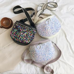 Verano nuevo estilo salvaje de moda bolso de mensajero de un hombro personalidad lentejuelas banda ancha semicírculo silla de montar al por mayor nihaojewelry NHPB220824's discount tags