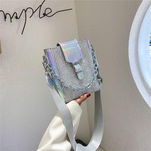 Bolso láser verano nueva ola moda coreana moda conjunto de diamantes bolso ancho correa para el hombro bolsa de mensajero al por mayor nihaojewelry NHGA220958's discount tags