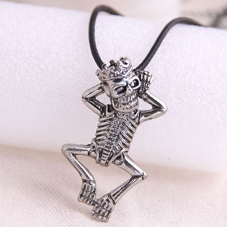 fashion retro trend men's domineering retro skull exaggerated necklace wholesale nihaojewelry NHSC221084's discount tags