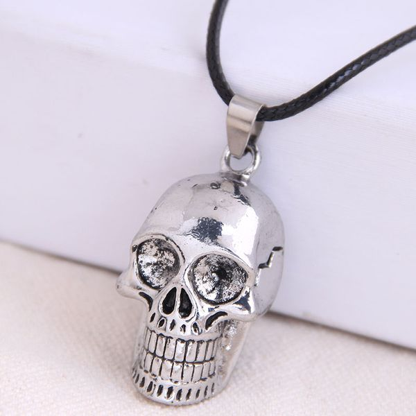 Fashion retro trend men's domineering retro texture skull exaggerated necklace wholesale nihaojewelry NHSC221079