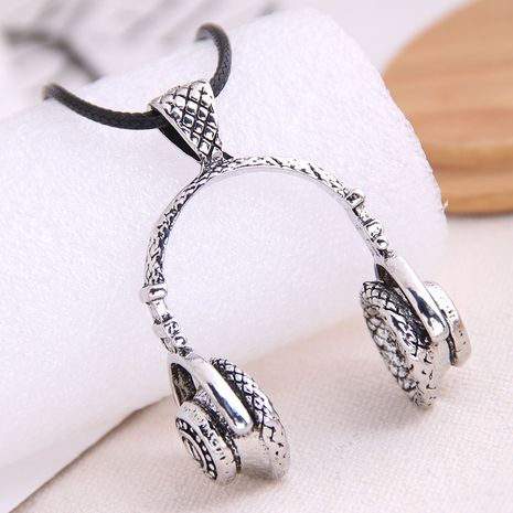 mode rétro tendance dominatrice masculine rétro collier exagéré en gros nihaojewelry NHSC221078's discount tags