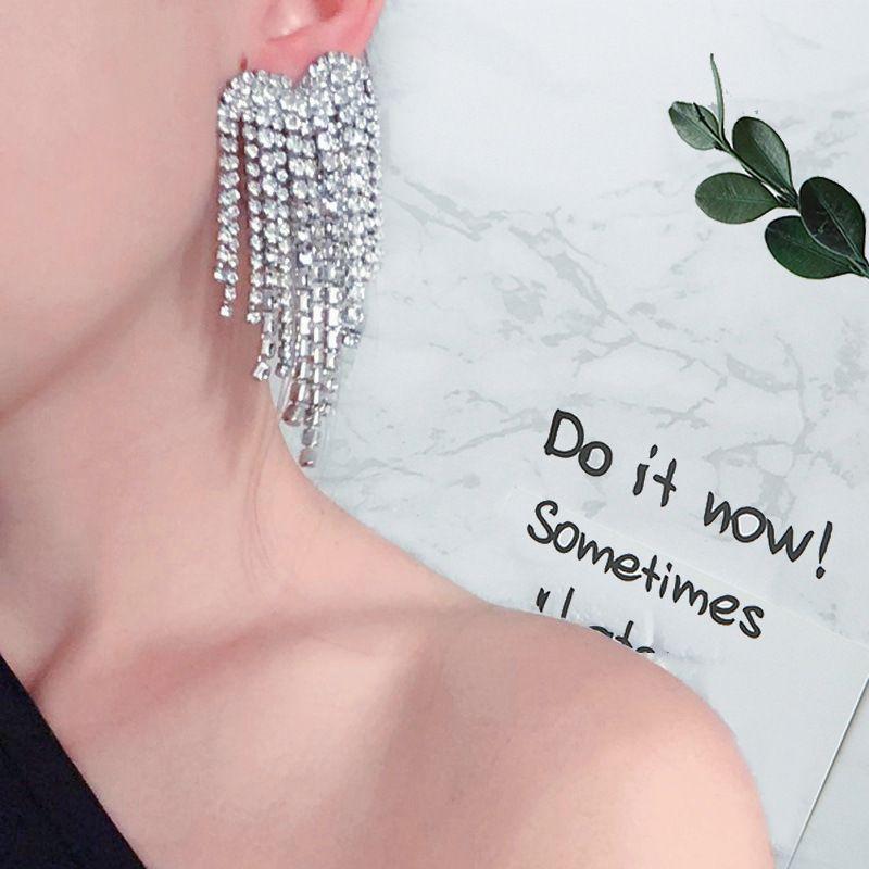 Fashion creative multi-layer alloy claw chain earrings set with rhinestones full diamonds long tassel banquet luxury earrings NHLN213525