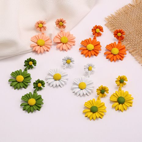 Fashionable new flower earrings nihaojewelry wholesale simple and fresh sweet temperament wild daisy explosion earrings NHKQ213564's discount tags