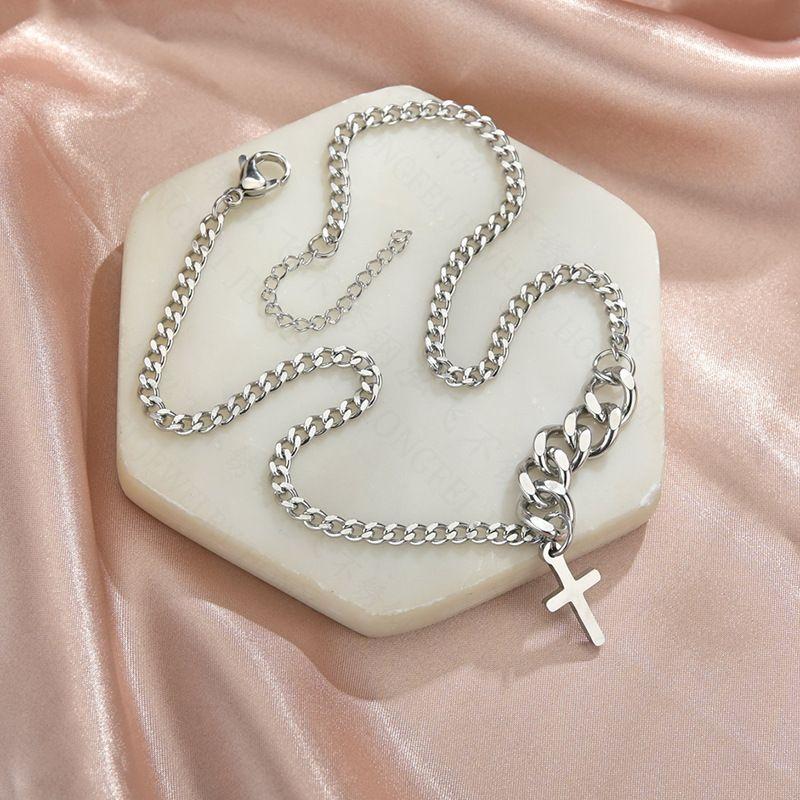 Korean fashion retro cross necklace titanium steel simple short hip-hop necklace clavicle chain nihaojewelry wholesale NHHF213711