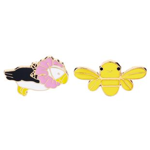 New simple cute brooch cartoon yellow little bee pink flower parrot shirt fashion brooch nihaojewelry wholesale NHMO213919's discount tags